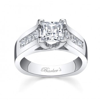 Barkev's Designer Diamond Engagement Ring in 14KT White Gold with 0.84 ct in Princess Cut Diamonds 5868LW